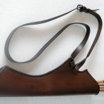 Side quiver with a shoulder strap